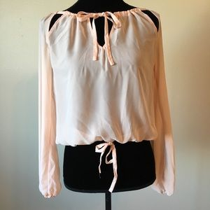 Ali & kris cut out tie blouse